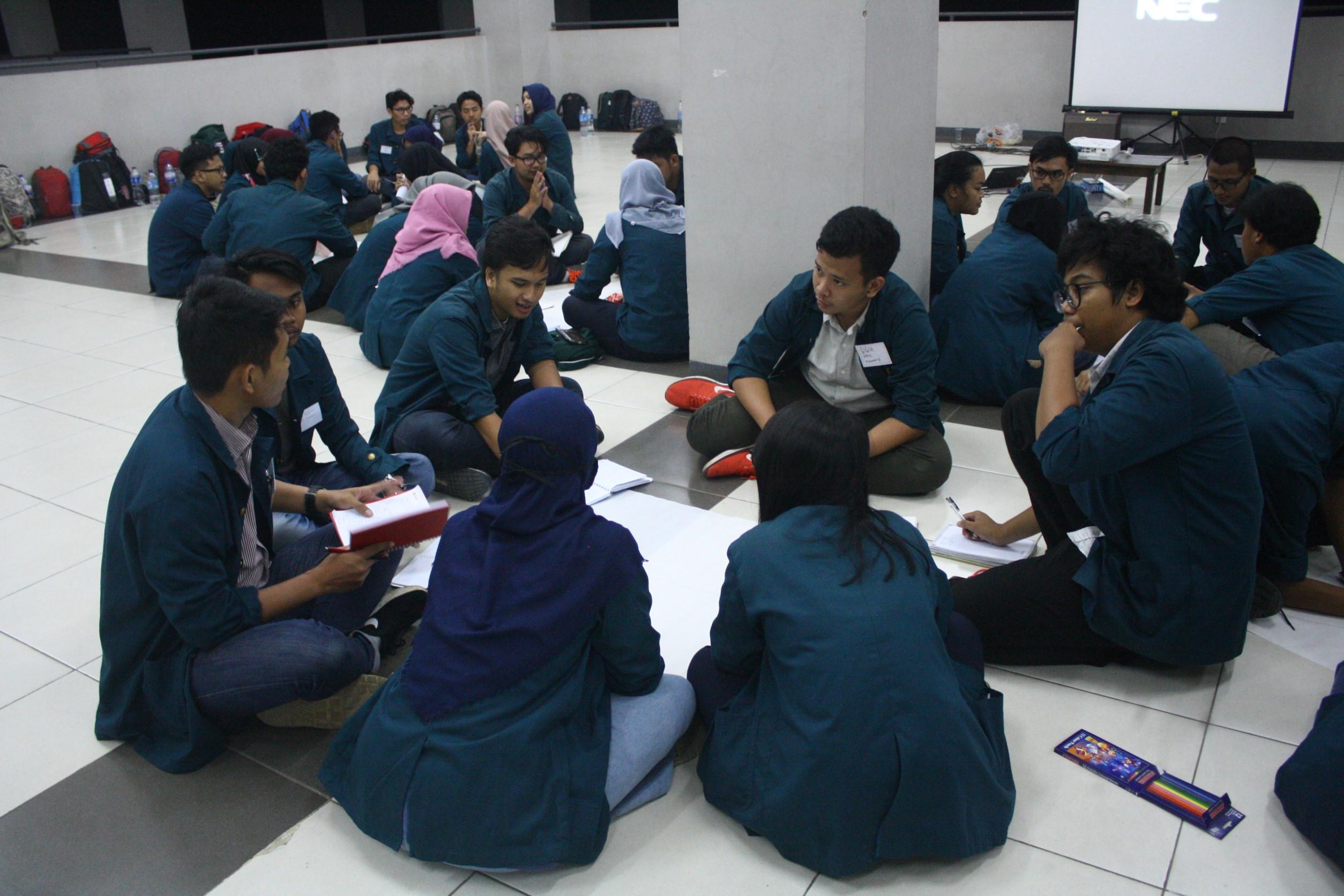 Diskusi Peserta Pada Acara Diklat Dasar Aktivis Terpusat 2018