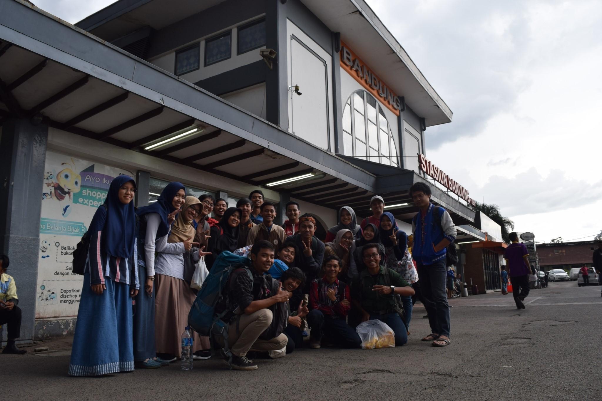 Tim Diseminasi Khusus AMI 2018 di Stasiun Bandung